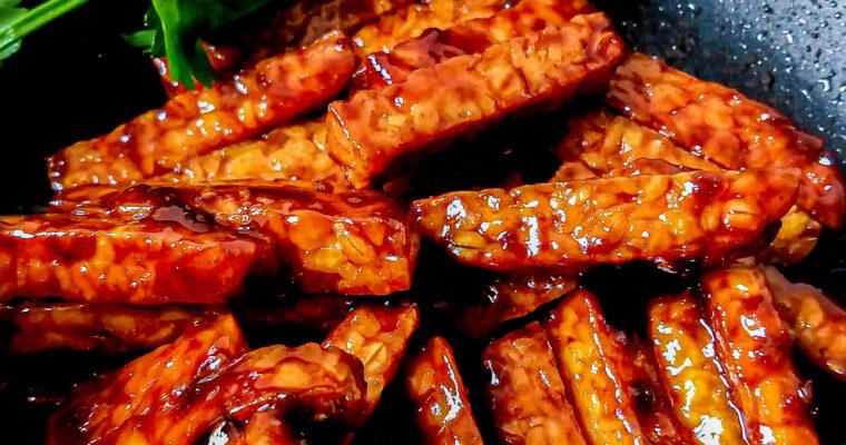 Fried tempeh in sweet soy sauce – sambal goreng tempeh kering